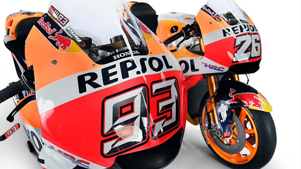 Inside a photo session with Marc Márquez, Dani Pedrosa and their crews