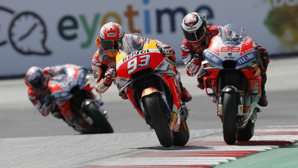 Podium for Márquez in an intense race